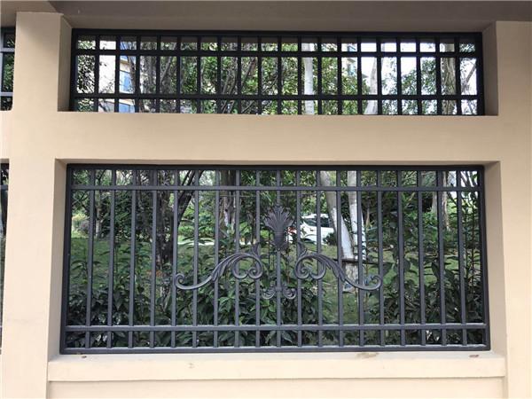 鋁合金防盜窗